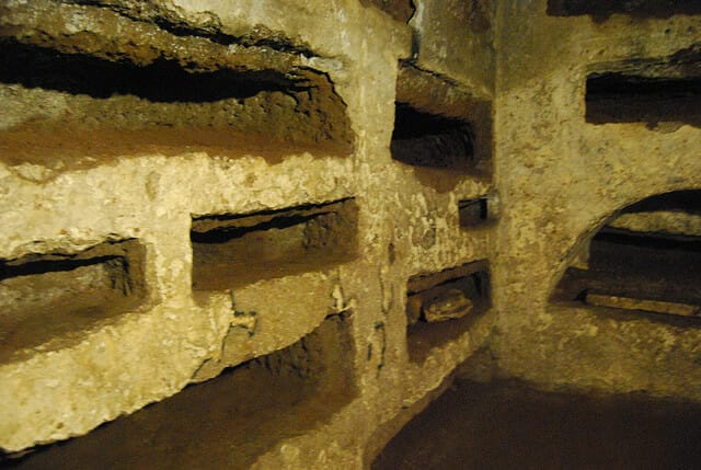Custom tours of Rome  - The Catacombs of San Callisto