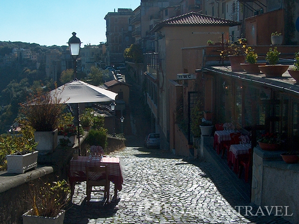 Restaurants - Castel Gangolfo During the tour of the Castelli Romani we suggest you a stop at ones of the panoramic restaurants of Castel <br/>Gandolfo to taste the genuine local cuisine and enjoy the enchanting view of Lake Albano.