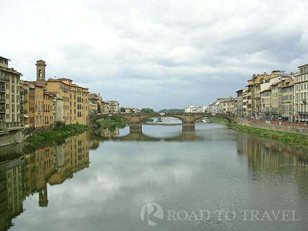 Lungarno - Firenze A view of Arno River and Ponte Vecchio from Ponte alle Grazie