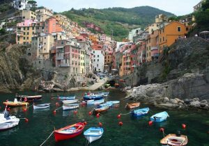 dt 6306148 Cinque Terre honeymoon in italy